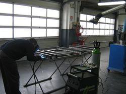 Incontro con l'Africa 2012 - Presso la carrozzeria Sonego di Sacile er alcuni lavoretti sulla cassa metallica